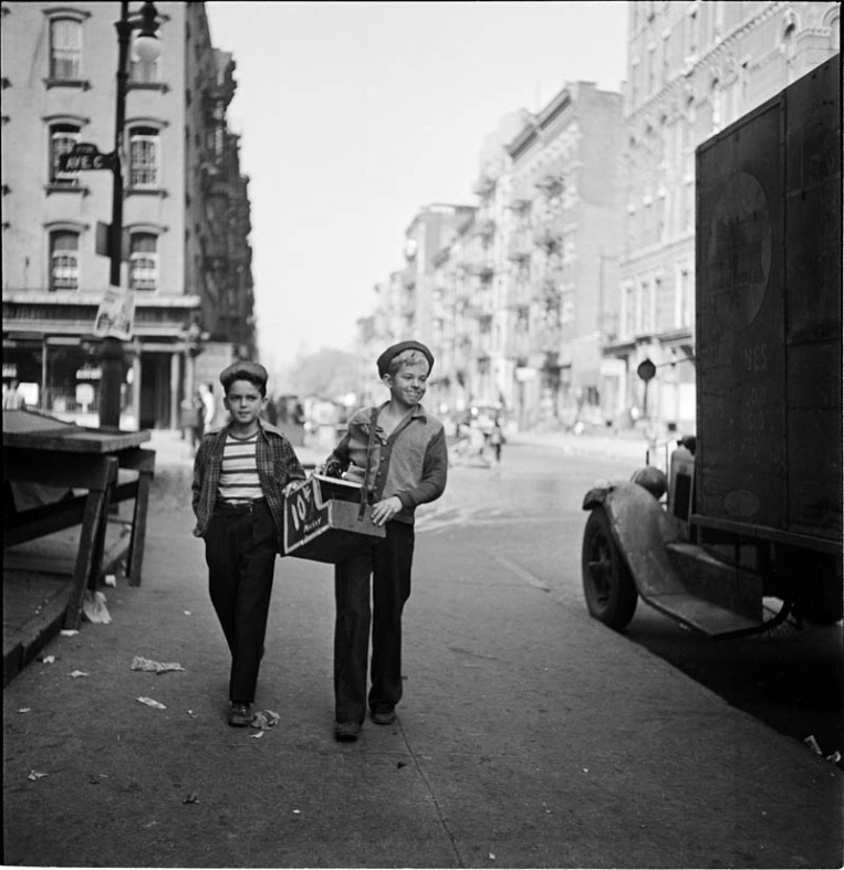photographs-by-stanley-kubrick-look-magazine-life-in-new-york-40s-2