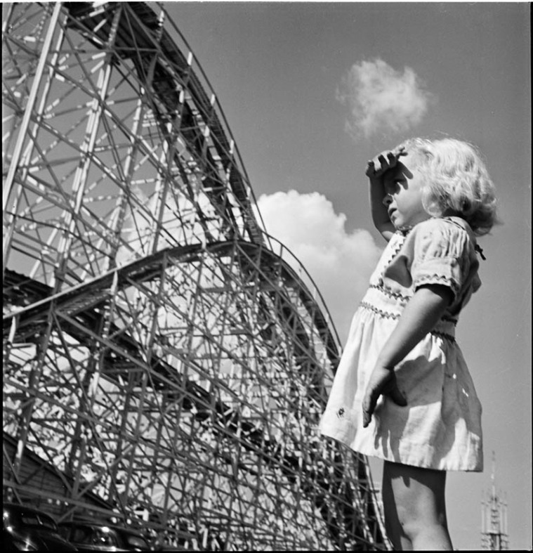 photographs-by-stanley-kubrick-look-magazine-life-in-new-york-40s-22
