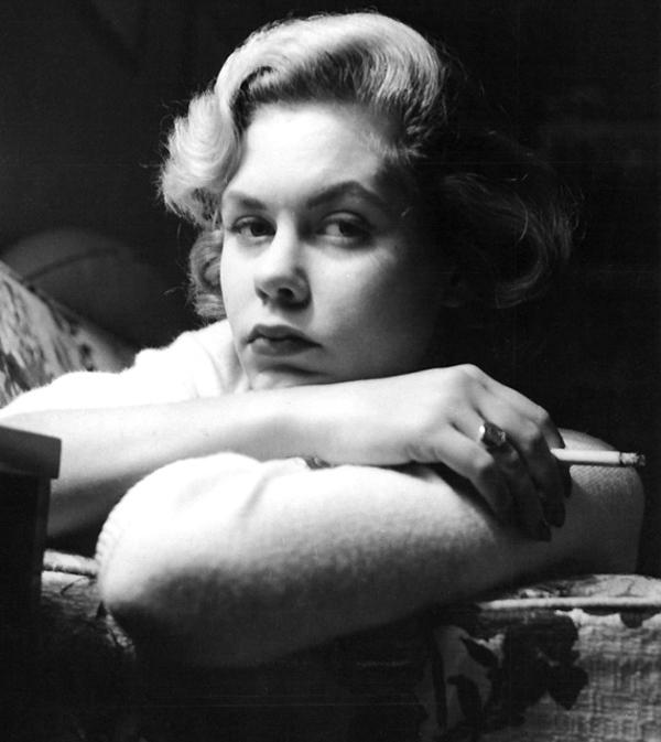 elizabeth_montgomery_1950s_MWZS6wH_sized