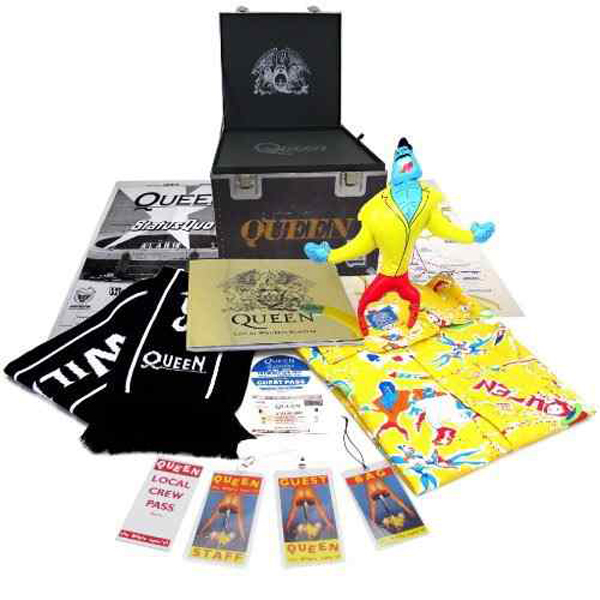 queen-live-at-wembley-super-deluxe-300