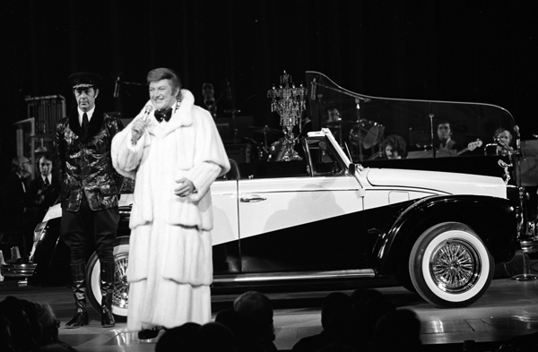 Liberace at the Las Vegas Hilton. 2-25-74.