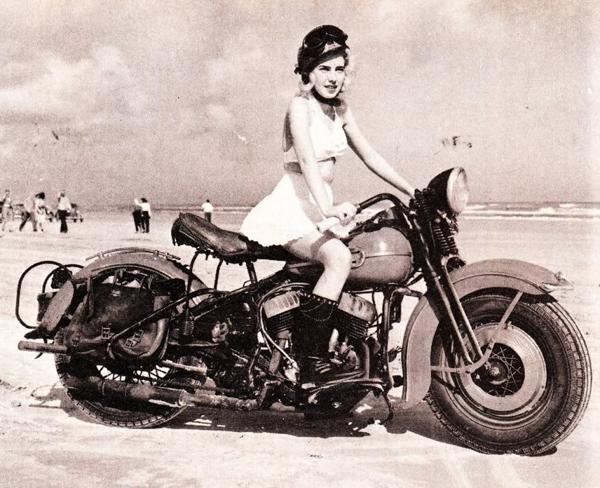 Vintage-Motorcycle-Girls-Wallpaper-Bikers-Picture-Dekstop-Background