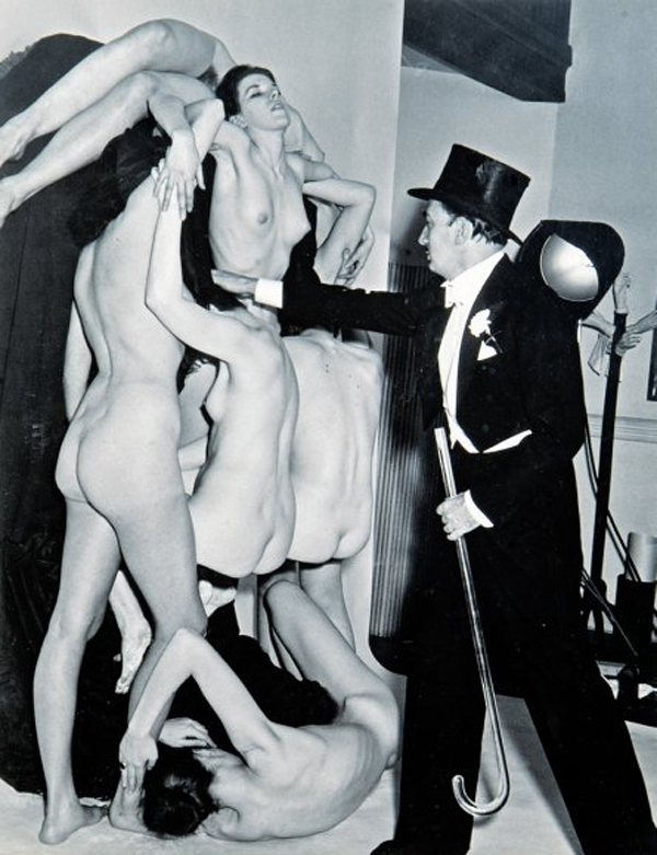 In Voluptas Mors, photographed by Philippe Halsman, 1951