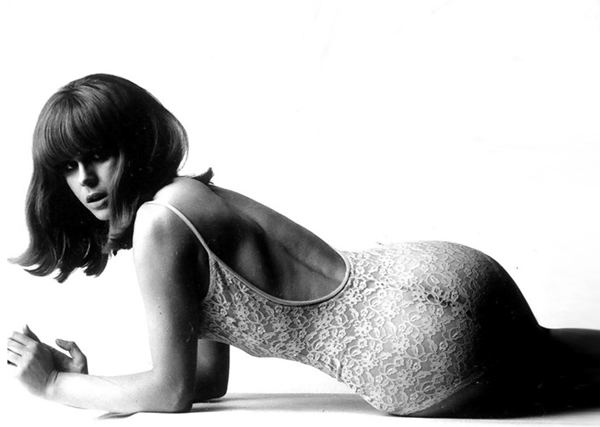 joanna-lumley-photo-by-by-terence-donovan-1966