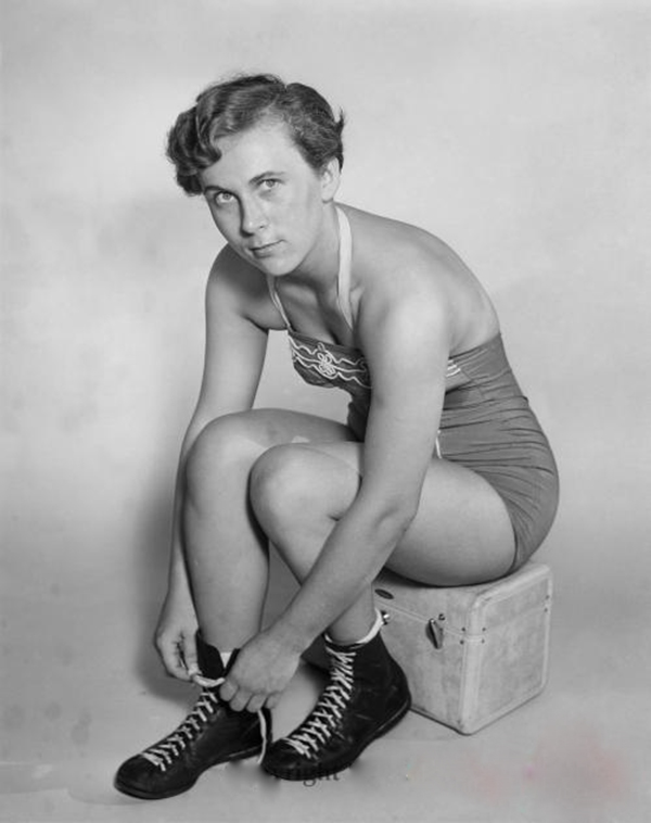 Unidentified Lady Wrestler