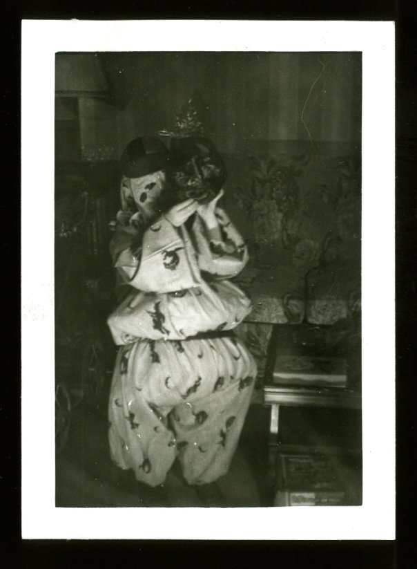 vintage-scary-clown-costume-halloween-photo