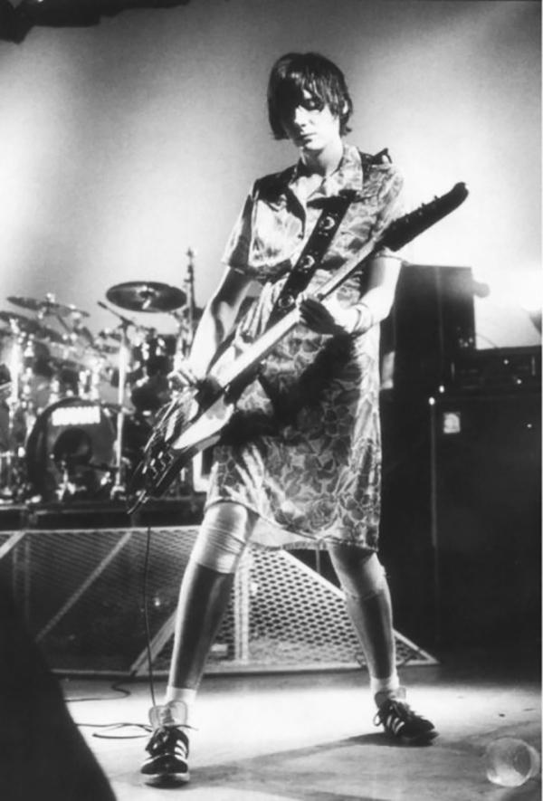 Nicky Wire - Bass