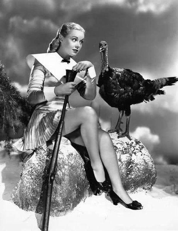 vintage-pinup-musket-turkey-thanksgiving