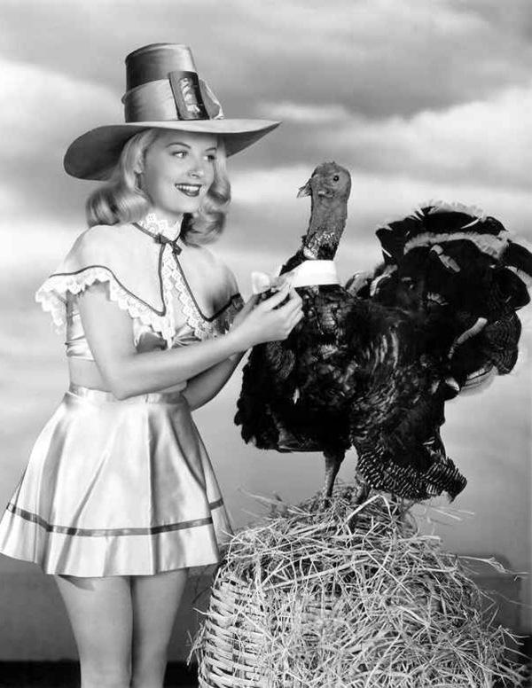 vintage-pinup-turkey-thanksgiving-bow