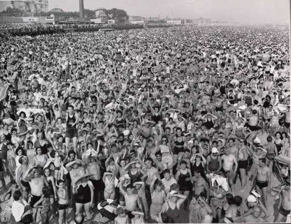 WEEGEE_1940_Coney_Island_Beach_web