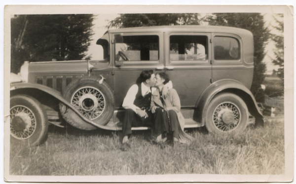 bonnie-and-clyde-in-the-1930s-1