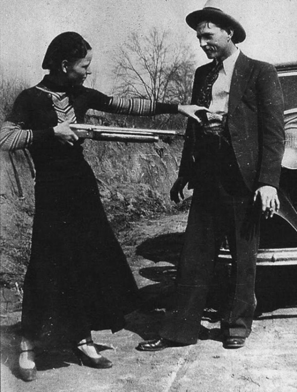 bonnie-and-clyde-in-the-1930s-12