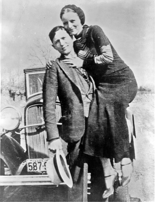 bonnie-and-clyde-in-the-1930s-15