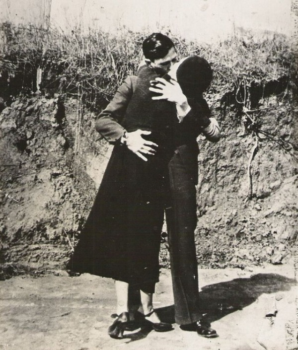 bonnie-and-clyde-in-the-1930s-6